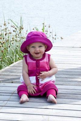 b8967b77d77f Babykofta, klänning, byxor - stickmönster - Tilda - Stickmönster ...