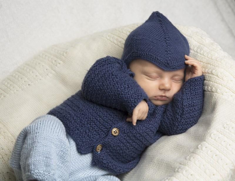 Kofta och mössa till baby i Viking Bambino