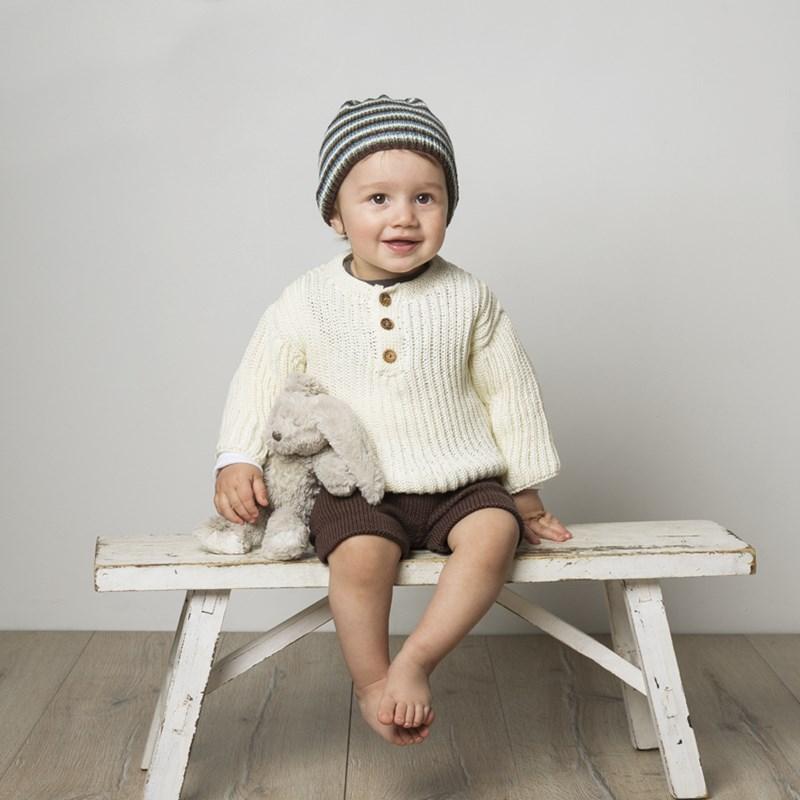Byxor, tröja och mössa till baby