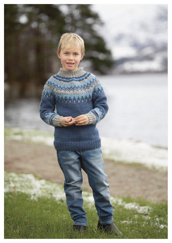 Stickmönster barntröja med mönstrat ok