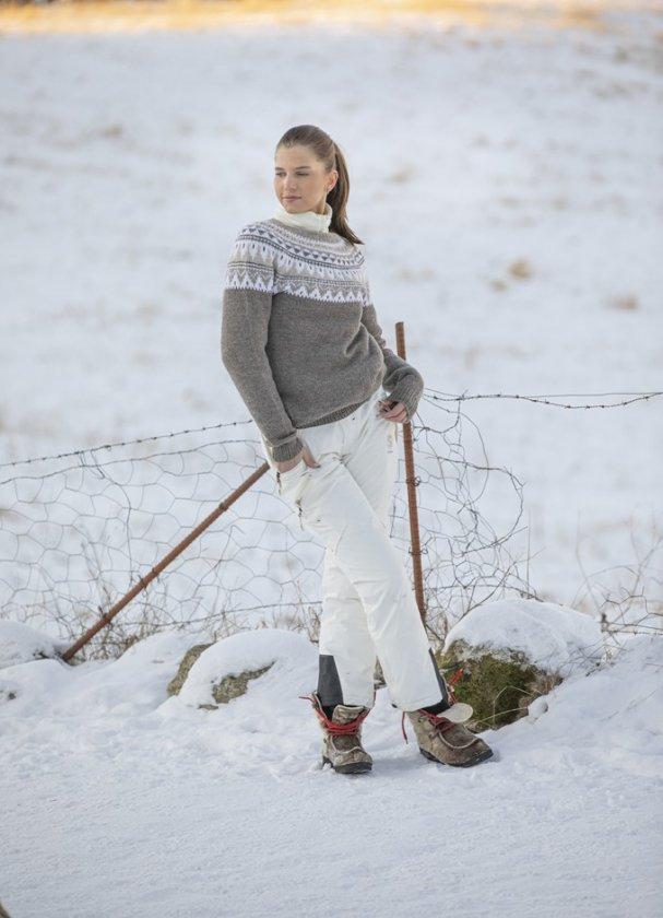 Stickmönster tröja i ekologisk ull